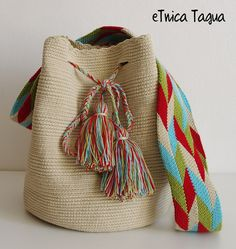 SALE 69 € !! Sac Wayuu Mochila Wayuu - BLACK FRIDAY VENDREDI NOIR VIERNES… Tapestry Crochet Patterns, African Crafts, Tablet Weaving, Tapestry Bag, Knitted Bags, Diy Crochet, Free Sewing, Handmade Bags, Knitting Projects