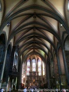 En interior de la Catedral de Perpignan en Francia, muy espectacular