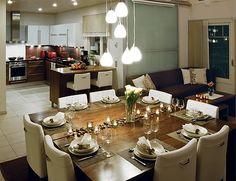 Lapponia House 258 Kaskilinna on terve hengittävä koti. Lämpöhirsi tai lamellihirsi. Osatoimituksena tai muuttovalmiina. Koti, Log Homes, Table Settings, House, Timber Homes, Home, Wood Homes, Place Settings, Log Home