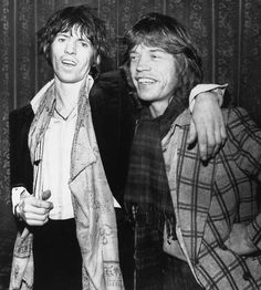 The Rolling Stones - Data y Fotos Keith Richards, Mick Jagger Rolling Stones, Rock And Roll Bands, Rock N Roll, The Roling Stones, Waiting On A Friend, Rolling Stones Logo, Moves Like Jagger, The Grim