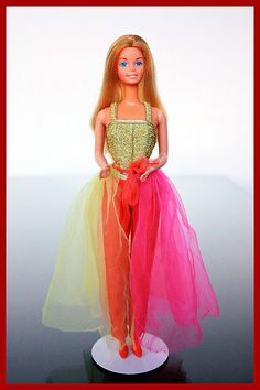 Barbie Fashion Photo (1977) I had this one! Loved her!
