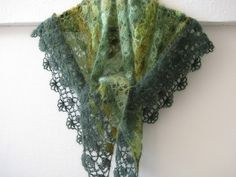 crochet pattern - symphonie verdache shawl