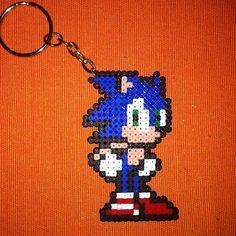 Sonic keyring hama mini beads by ram4n