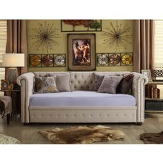 Bandecca Chesterfield Daybed