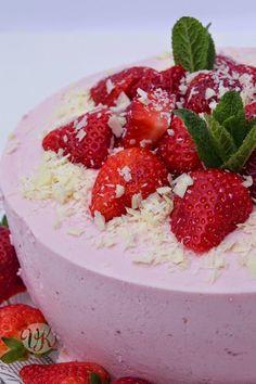 Kleine Erdbeer-Quarktorte zum Muttertag