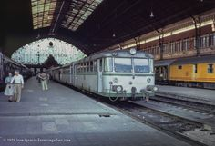 Trenes y tiempos: 04/25/18 Motor Diesel, Spain, Cars, Model Trains, Rocks And Minerals, Stones And Crystals, Cabins, Parking Lot, Devil