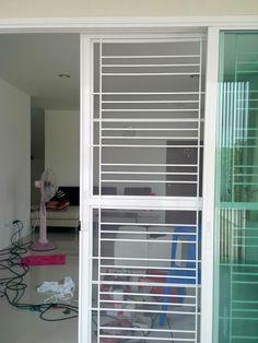 ประตูบานเลื่อน - ค้นหาด้วย Google Door Grill, Grill Door Design, Window Grill, Steel Fence, Window Design, Grills, Blinds, Gate, Windows