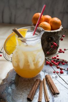 Spiced Apple Cider Winter Sangria from A great cold weather sangria that will warm your tummy Apple Cider Sangria, Spiced Apple Cider, Spiced Apples, Sangria Recipes, Cocktail Recipes, Drink Recipes, Summer Drinks, Fun Drinks, Beverages