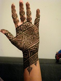 Modern heena (mehendi) Design #weddings #heena #heartstrings