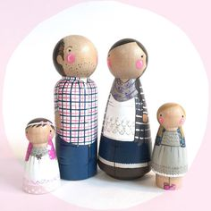 CUSTOM peg doll family of 4 // 2 parents and 2 kids/pets / personalized peg…