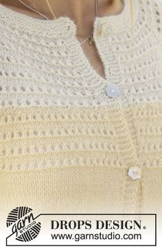 Jacket with lace pattern on the yoke, raglan, ¾-length sleeves and A-shape, worked top down in DROPS Alpaca. Sizes S - XXXL. Free pattern by DROPS Design. Ladies Cardigan Knitting Patterns, Knit Cardigan Pattern, Knitted Baby Cardigan, Knitting Stitches, Knitting Designs, Knitting Patterns Free, Free Knitting, Free Pattern, Drops Design