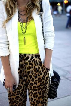 Neon, leopard pants and white blazer Leopard Outfits, Neon Outfits, Animal Print Outfits, Animal Print Fashion, Casual Outfits, Cute Outfits, Fashion Outfits, Fashion News, Neon Yellow Tops