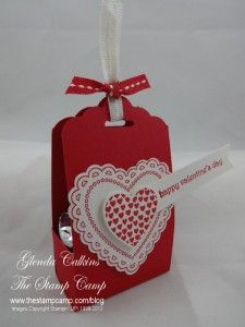 Saturday, January 2014 The Stamp Camp: Scallop Tag Topper Punch Treat Box video Hearts a Flutter Stamp Set, Hearts a Flutter Framelits Stampin' Up! Valentine Treats, Love Valentines, Valentine Day Cards, Treat Holder, Treat Box, Candy Crafts, Paper Crafts, Stampin Up Cards, Gift Tags