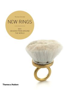 New Rings (UK Cover) - Nicolas Estrada - Thames & Hudson