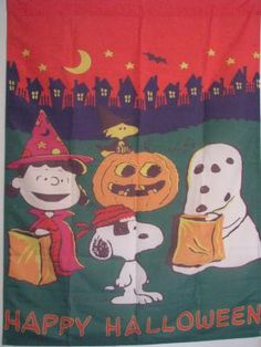 """LARGE SNOOPY AND THE GANG """"HAPPY HALLOWEEN"""" HOUSE FLAG 28""""X 40"""" HTF - FREE SHIP"""
