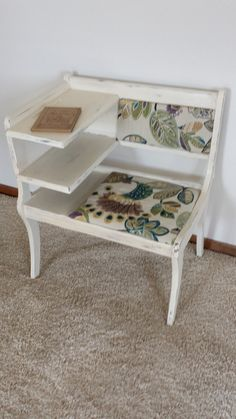 Shop for desk on Etsy, the place to express your creativity through the buying and selling of handmade and vintage goods. Gossip Bench, Stool, Chair, Annie Sloan Chalk Paint, Fun Projects, Vibrant, Desk, Hand Painted, Vintage Stuff
