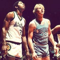 Larry Bird Indiana State and Magic Johnson Michigan State Basketball Finals, Basketball Legends, Sports Basketball, Basketball Players, Kentucky Basketball, Duke Basketball, Kentucky Wildcats, Basketball Shoes, Dream Team