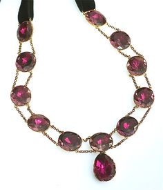 Magenta pink foiled paste Queen Anne necklace c1740-1760