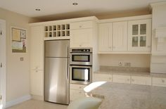 Shaker style kitchen with eye leven oven