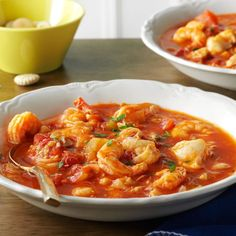 Seafood Cioppino Recipe -If you're looking for a great seafood recipe for your slow cooker this classic fish stew is just the ticket. It's brimming with clams crab fish and shrimp and is fancy enough to be an elegant meal. Lisa Moriarty Wilton New Slow Cooker Recipes, Crockpot Recipes, Soup Recipes, Cooking Recipes, Cioppino Recipe Slow Cooker, Dinner Recipes, Cioppino Recipe Easy, Pasta Recipes, Slow Cooking