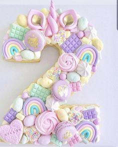 banana mug cake Number Birthday Cakes, 2 Birthday Cake, Unicorn Themed Birthday Party, Number Cakes, Kreative Desserts, Monogram Cake, Girl Cakes, Cupcake Cookies, Berry Cupcakes
