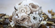 Vintage esküvő Freeform Crochet, Burlap Wreath, Retro Vintage, Projects To Try, Bouquet, Decor, Brooch, Dekoration, Decoration