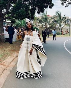 Spiffy Fashion New Xhosa Traditional Dresses Designs - South African Dresses, South African Traditional Dresses, Traditional Dresses Designs, African Dresses For Women, Traditional Fashion, African Fashion Dresses, Traditional Outfits, Traditional Wedding, Traditional Styles