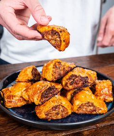 The best sausage rolls you will ever eat. Family Vegetarian Meals, Easy Family Meals, Mob Kitchen, Turnover Recipes, Best Sausage, Savoury Baking, Savoury Recipes, Sausage Rolls, Pizza