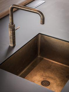 Kitchen Faucets, Küchen Design, Interior Inspiration, Kitchens, Sweet Home, Sink, Bathroom, Home Decor, Blue Prints