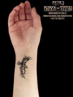 PETRA HÁ HLAVÁČKOVÁ, tattoo artist | The VandalList Coolhuntin'