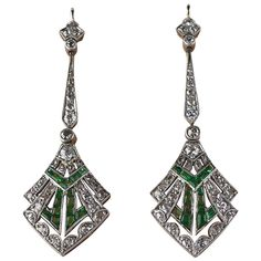 Diamond, Pearl and Antique Drop Earrings - For Sale at - Art Deco Emerald Diamond Platinum Earrings. Diamond and emerald drop earrings set in platinum dated - Art Deco Schmuck, Bijoux Art Nouveau, Art Nouveau Jewelry, Jewelry Art, Antique Jewelry, Vintage Jewelry, Fine Jewelry, Jewelry Design, Pandora Jewelry
