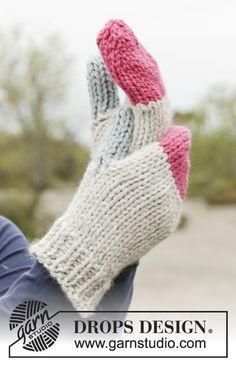 """DROPS souprava: pruhovaná šála pletená vroubkovým vzorem a barevné rukavice – palčáky pletené z příze """"Andes"""". ~ DROPS Design"""