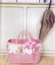 Bordered basket