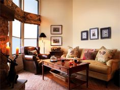 Casual Traditional Living & Family Room by Susan Miniman on HomePortfolio
