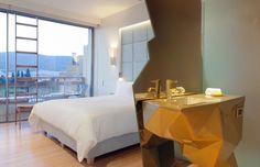 Le New Hotel à Athènes http://www.vogue.fr/voyages/hot-spots/diaporama/8-hotels-en-europe/17972/image/987906#!guide-du-week-end-special-hotels-en-europe-athenes-le-new-hotel