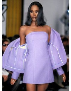 French Fashion Tips Celebrity Style # Runway Fashion Runway Fashion .French Fashion Tips Celebrity Style # Runway Fashion Runway Fashion Look Fashion, 90s Fashion, Couture Fashion, Fashion Show, Vintage Fashion, Fashion 2020, French Fashion, Crazy Runway Fashion, Paris Fashion