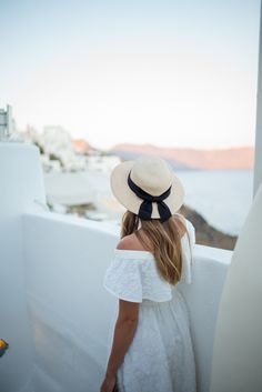Why You Should Skip Your Honeymoon—or at Least Wait a Year Vacation Outfits, Summer Outfits, Summer Clothes, Dona Karan, Looks Style, My Style, Boater Hat, Stylish Hats, Gal Meets Glam