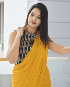 Best Brand To Shop Exceptional Formal Wear Sarees Simple Saree Blouse Designs, Simple Sarees, Trendy Sarees, Fancy Blouse Designs, Stylish Sarees, Saree Wearing Styles, Saree Styles, Formal Saree, Plain Saree