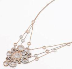 http://www.parentesirosa.it/articolo.asp?id=161&Va-di-scena-il-gioiello