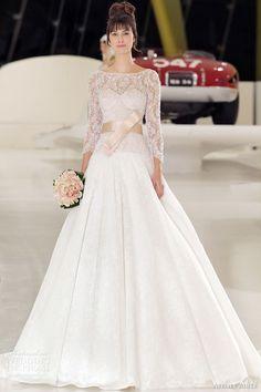فساتين زفاف تتميز بالبساطة