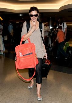Jamie-Lynn Sigler Photos - Jamie Lynn Sigler Waits for Her Luggage - Zimbio