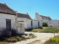 World Poverty, Beach Cottages, Pictures To Paint, Home Art, South Africa, Art Houses, Mansions, African Women, Landscape