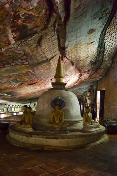 Buddhist temple, Sri Lanka. Photography from Photography Talk.