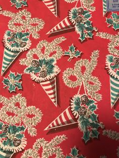 Vintage Wrapping Paper, Gift Wrapping Paper, Homemade Christmas Gifts, Christmas Gift Wrapping, Paper Gifts, Vintage Patterns, Vintage Christmas, December, Holiday