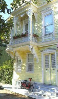 Heybeliada houses-İstanbul-Turkiye