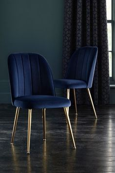 Navy Dining Chairs, Blue Dining Room Chairs, Dining Chair Set, Dining Room Design, Velvet Dining Chair, Dining Table, Living Room Furniture, Living Room Decor, Living Area