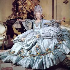 "Tilda: Orlando Karl Lagerfeld Um, I'm not sure why this is labelled ""Karl Lagerfeld."" This is Tilda Swinton in a costume she wore in Orlando. ETA: He took the picture. Tilda Swinton, 18th Century Dress, 18th Century Fashion, Historical Costume, Historical Clothing, Sandy Powell, Vintage Outfits, Vintage Fashion, Rococo Fashion"