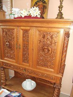 Good Verkaufe alten beschnitzten Eichenschrank in gutem und gepflegtem Zustand Der Schrank ist ca