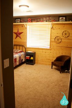 western bedroom, can b changed from boy to girl with decor! I like the top shelf. Master Bedroom Bathroom, Girls Bedroom, Bedroom Themes, Bedrooms, Country Western Decor, Western Rooms, Love Shelf, Cowboy Room, Big Girl Rooms