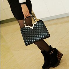 Small Hard Zipper Closure PU Leather Shoulder Bags with Sequined Decor   Stylish Beth